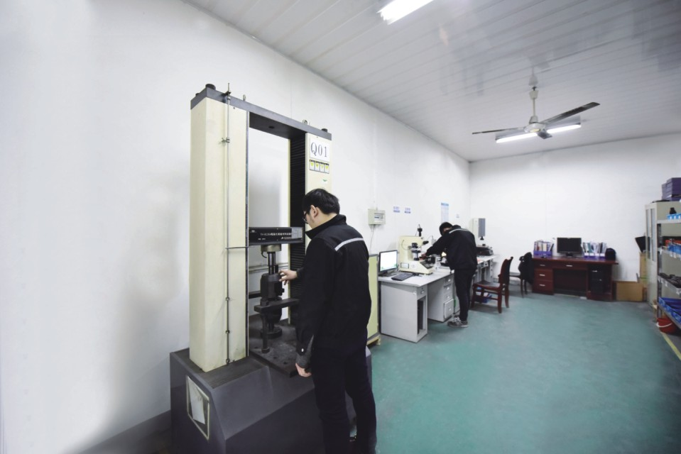 Máquina de ensayo de tracción de material universal